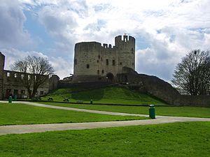 300px-Dudley_Castle_-England-8