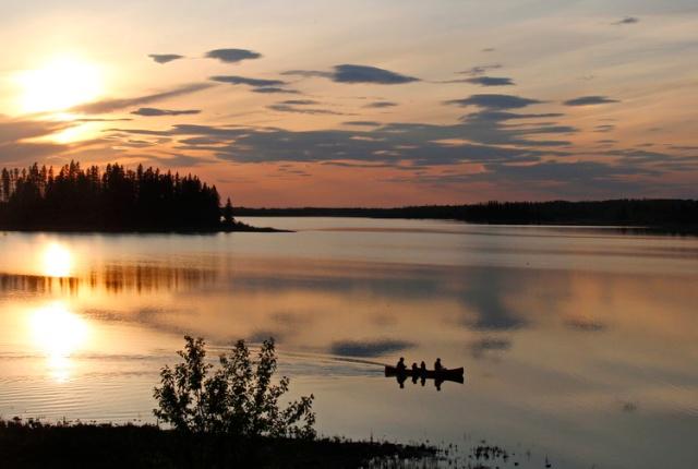 Elk-Island-and-Edmonton-475hs750