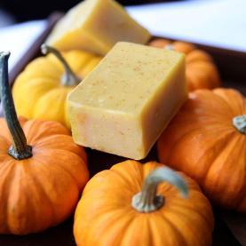 Pumpkin_Soap_7e4b72a7-f594-492c-a417-b55c2a827cc8_1400x